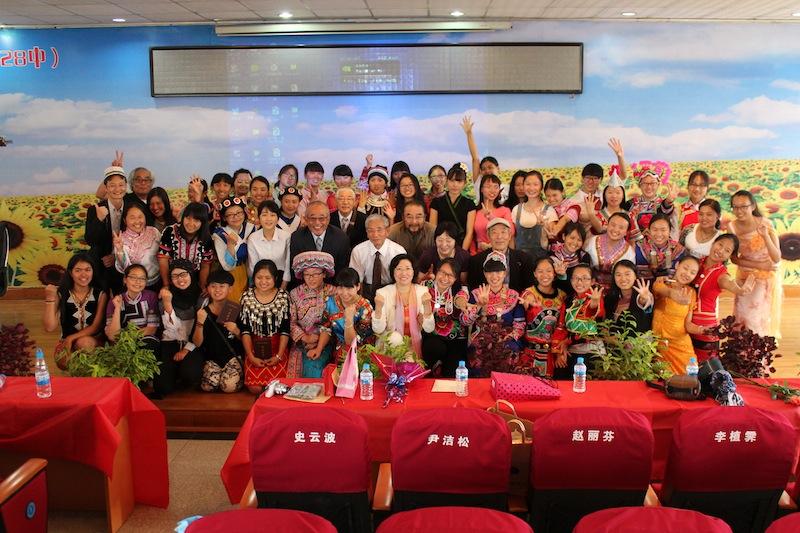 昆明市女子中学 春蕾班 卒業生