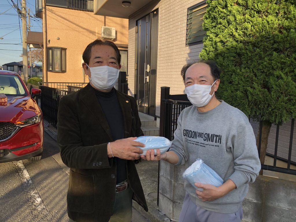 コロナ マスク支援 会員鈴木さん宅訪問